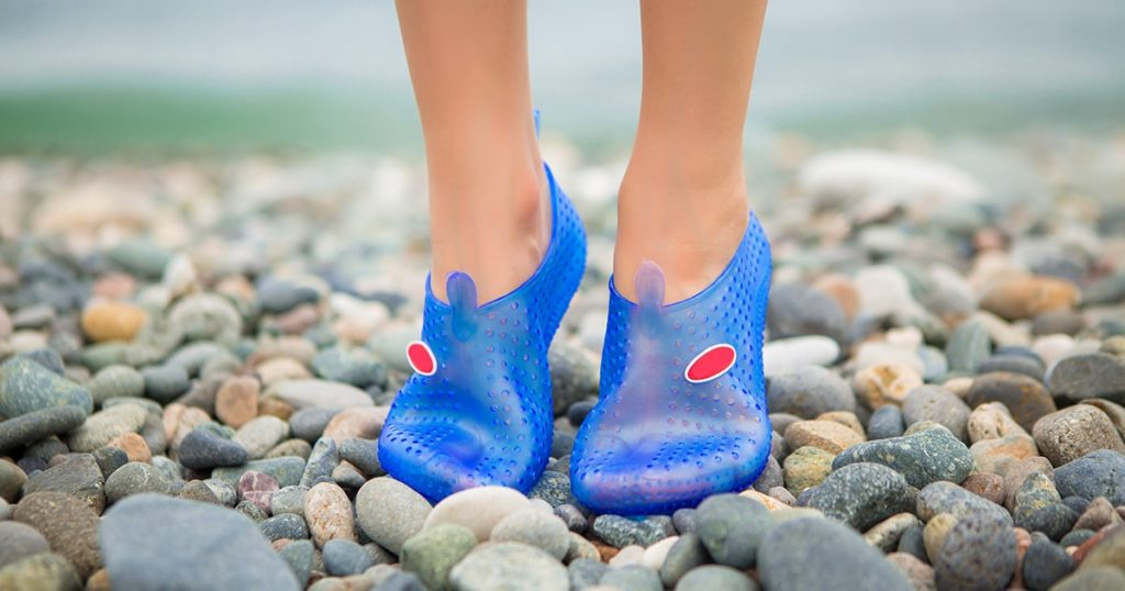 protective rubber Slippers for walking on rocks